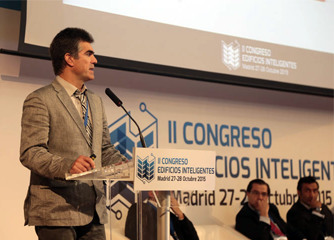 Mondragon's Félix Larrinaga speaks about CITyFiED visualisation solutions at Smart Buildings Congress in Madrid in October 2015